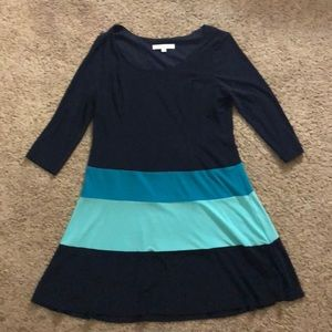 Soft, comfortable, stretchy day dress. Excellent